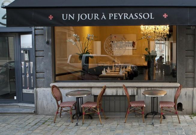 Façade du restaurant un jour à peyrassol à Bruxelles